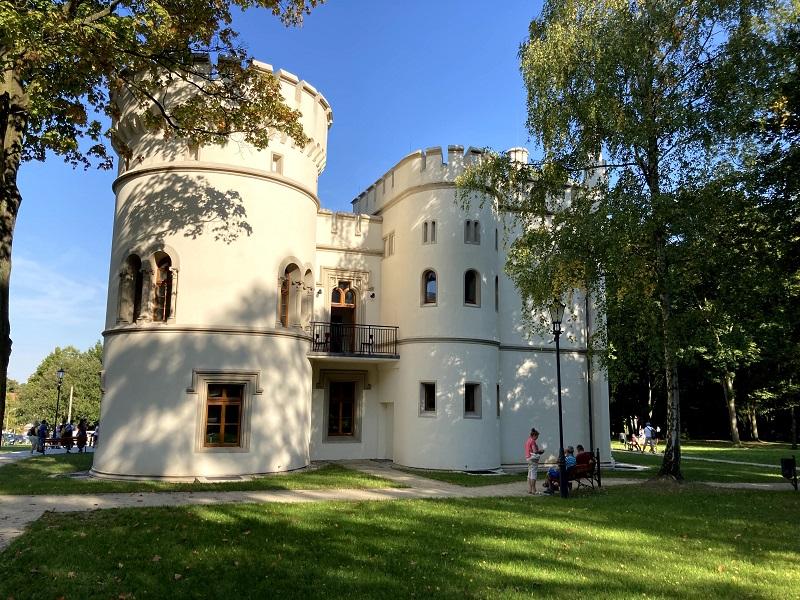 Pałac w bytomskich Miechowicach otwarty! Miasto zrewitalizowało obiekt, czyniąc z niego architektoniczną perłę