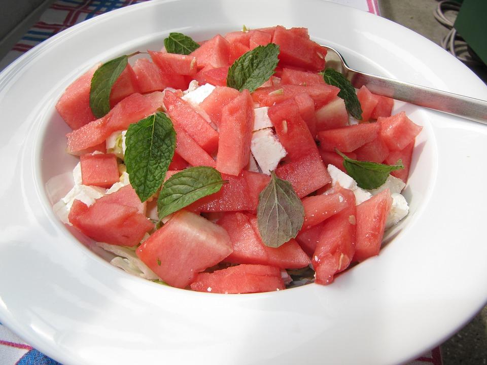 Sałatka arbuzowa z serem feta
