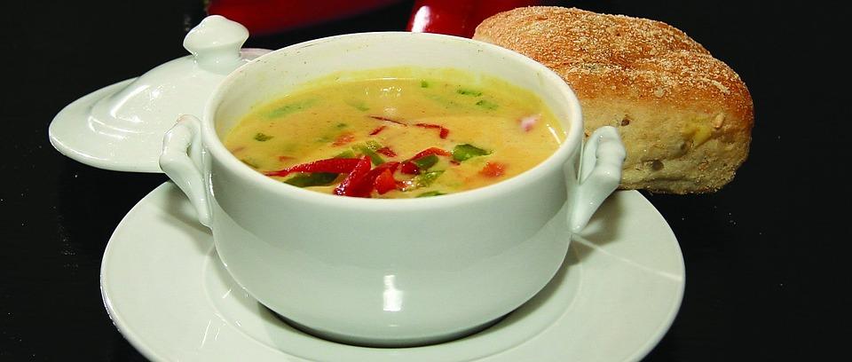 Kremowa zupa kalafiorowa z curry