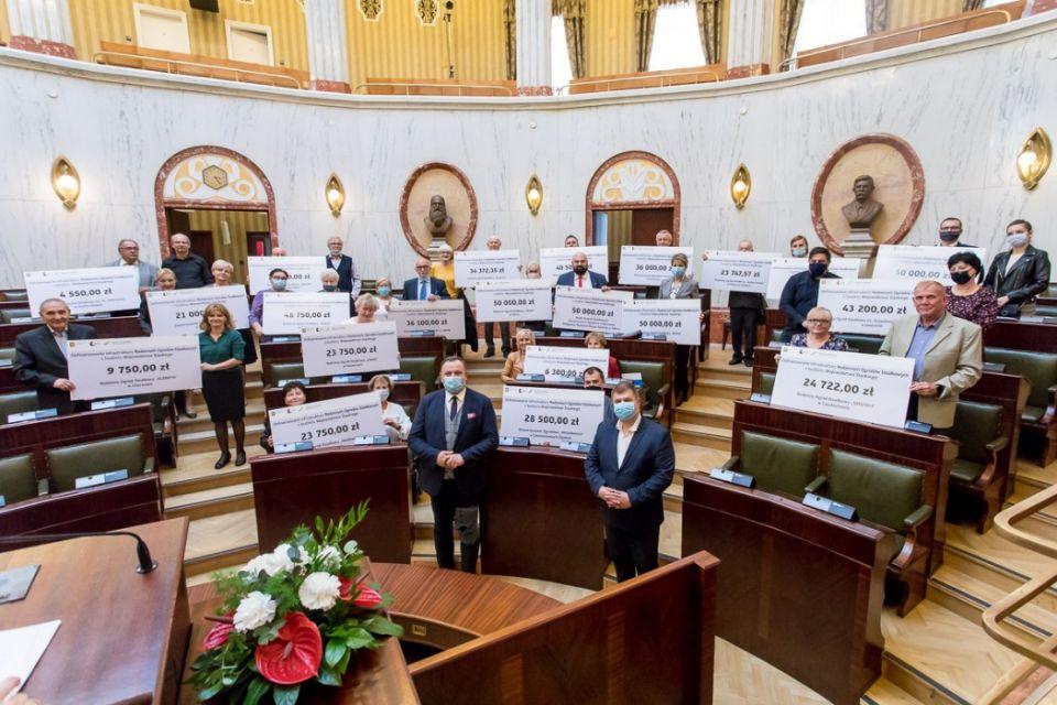 Blisko milion złotych dla śląskich ogródków działkowych - galeria