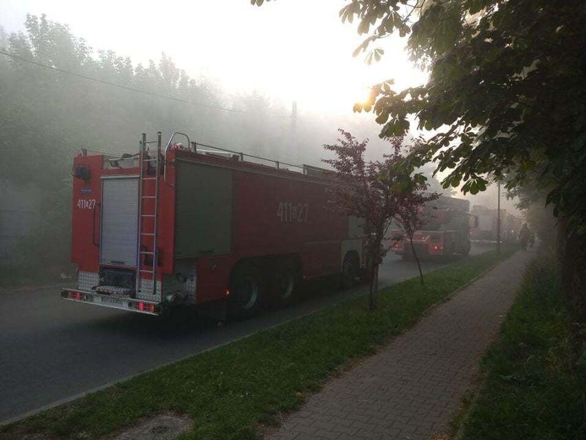 Chorzów: Pożar hali magazynowej i warsztatu samochodowego przy ul. Piotra Skargi - galeria