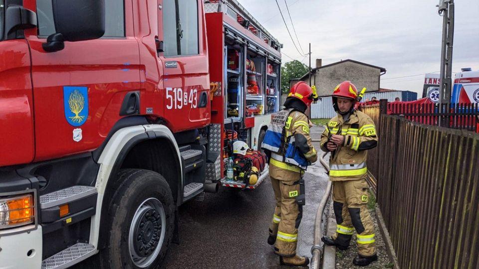 W Orzeszu doszło dzisiaj do tragicznego pożaru budynku mieszkalnego. Zginęły trzy osoby - galeria