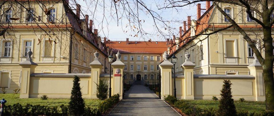 Zmarła sędzia Sądu Rejonowego w Rybniku; przyczyną najprawdopodobniej Covid-19 - galeria