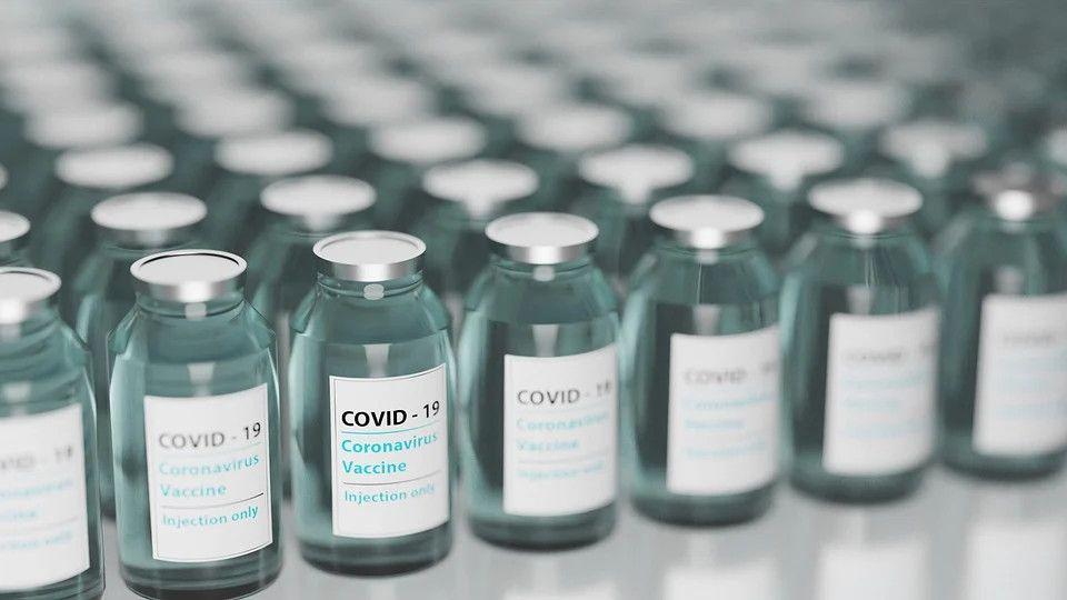 Śląskie: specjaliści przeanalizują zgon 90-latki po szczepieniu przeciw COVID-19 - galeria