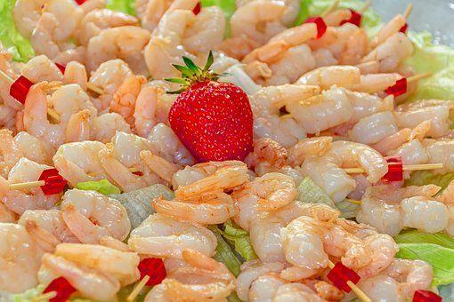 Egzotyczna sałatka z krewetkami, truskawkami i rabarbarem - galeria