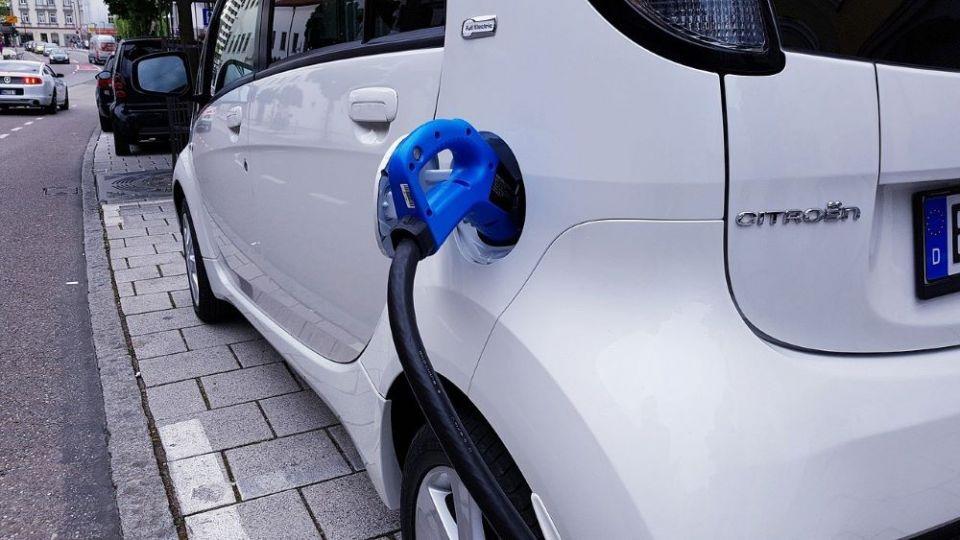 """Chcesz kupić samochód elektryczny? Skorzystaj z programu """"Mój Elektryk""""! - galeria"""