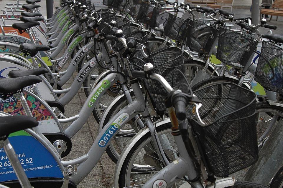 Sezon na rowery miejskie powraca. Wypożyczysz w jednym mieście, zwrócisz w innym - galeria