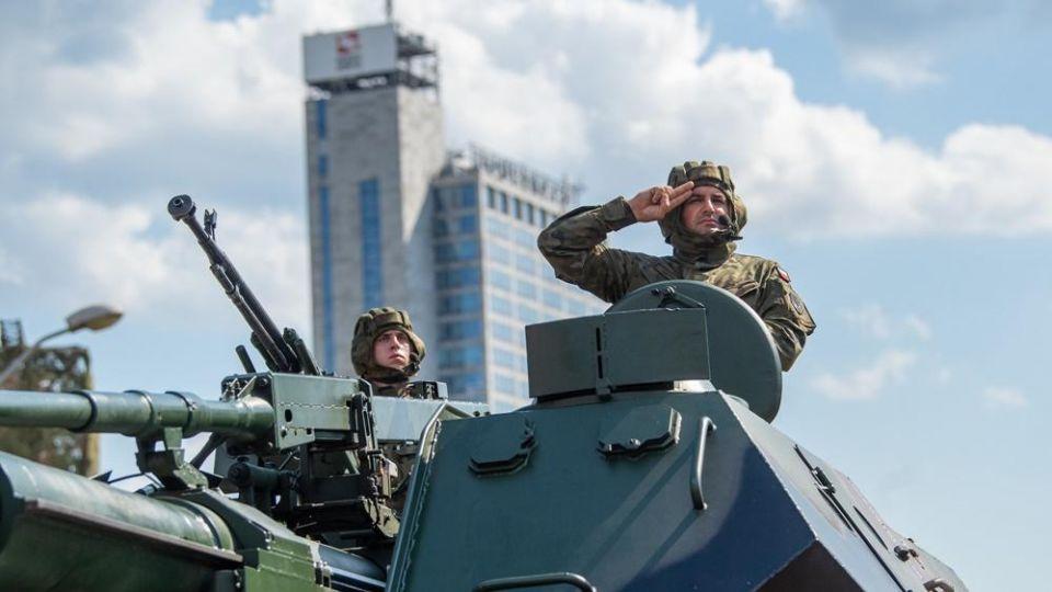 Odpowiadamy na pytania dotyczące tegorocznego Święta Wojska Polskiego i Wniebowzięcia NMP - galeria