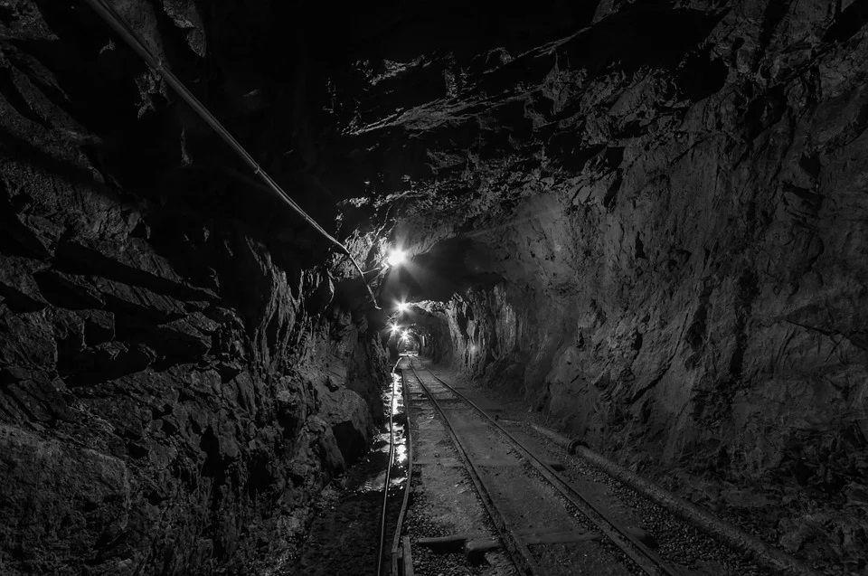46-letni górnik zginął w kopalni ROW Rydułtowy. Pracownika przysypały skały - galeria