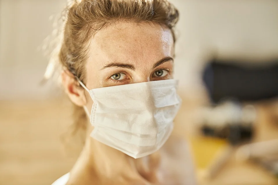 Niedzielski: nie dajmy rozpędzić się trzeciej fali pandemii, pomoże stosowanie zasad DDMAW - galeria