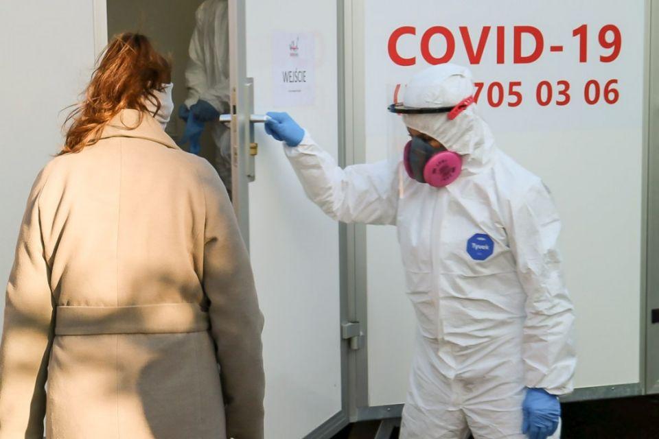 Śląskie wspiera ośrodki pomocy społecznej w walce z Covid-19 - galeria
