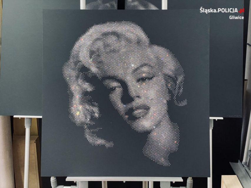 Policjanci z Gliwic odnaleźli kryształową Marilyn - galeria