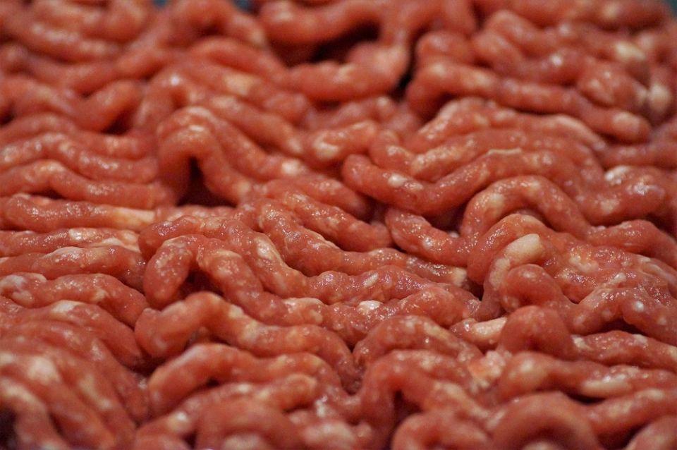 Salmonella w mięsie drobiowym sprzedawanym w sieci sklepów Biedronka i Lidl - galeria