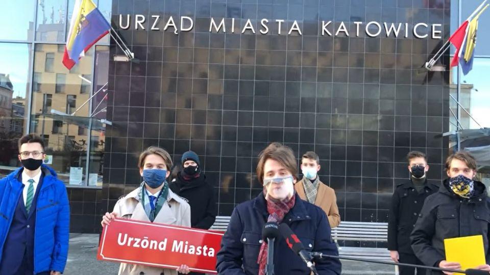 Młodzi regionaliści chcą śląskich napisów na gmachu UM w Katowicach - galeria