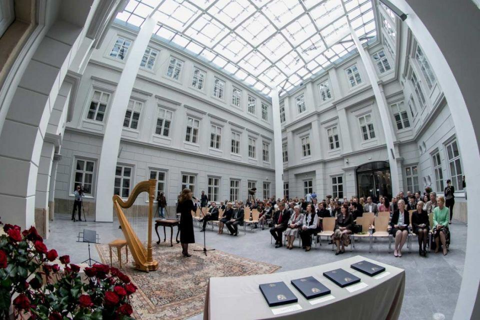 Marszałek nagradza muzealników - galeria