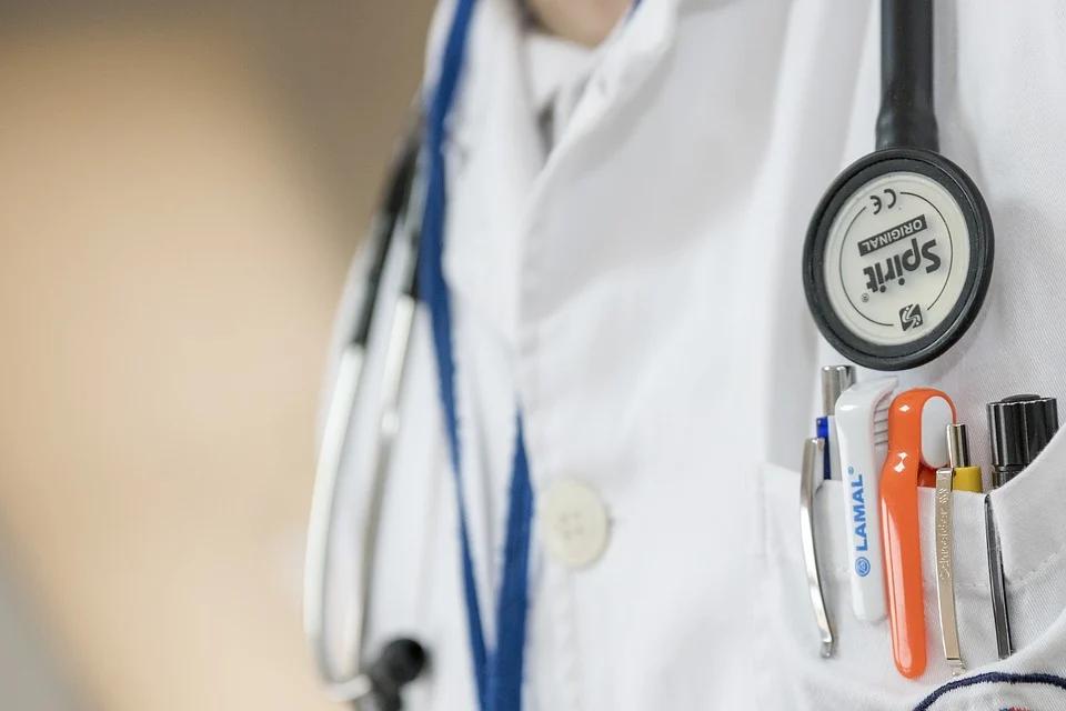 Niedzielski: czeka nas trudny miesiąc. System opieki zdrowotnej będzie testował wydolność - galeria