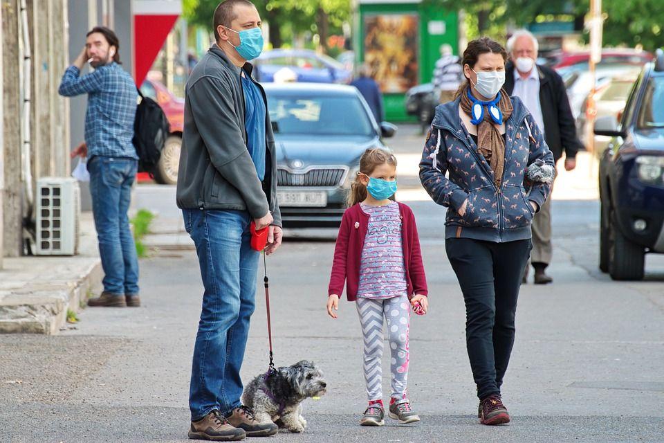 """Kraska apeluje o niegromadzenie się. """"Protesty mogą być bombą biologiczną"""" - galeria"""