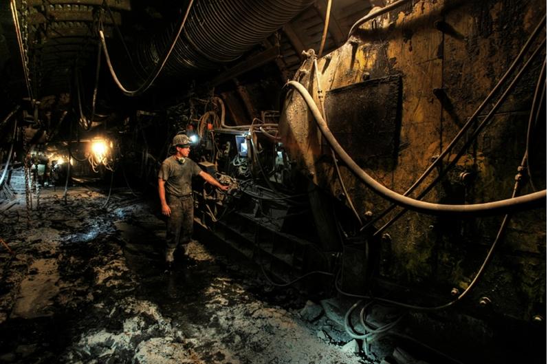 Stabilna liczba górników zarażonych koronawirusem w kopalniach JSW i PGG - galeria