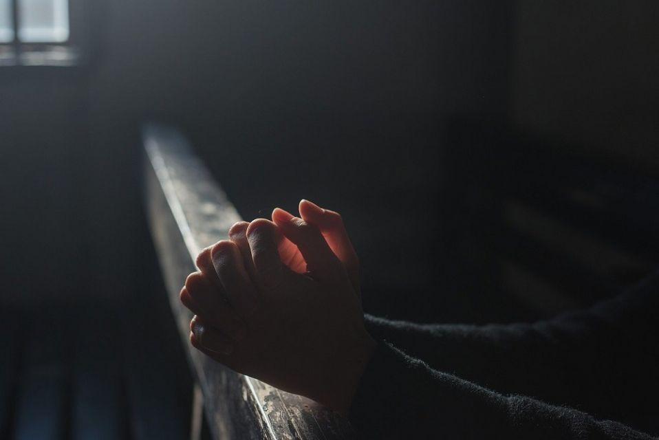 Duchowny z Gliwic usłyszał zarzuty popełnienia przestępstw seksualnych, w tym gwałtu - galeria