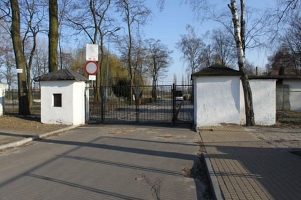 Od lat miasto Gliwice chciało kupić od SRK stadion na Sośnicy, ale spółka sprzedała go na licytacji - galeria