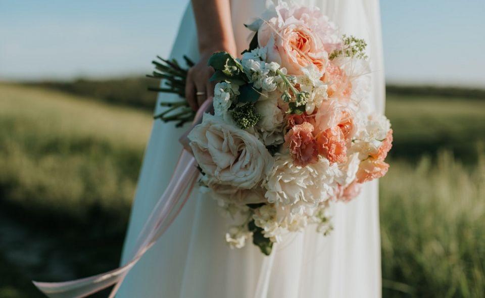 Jaka suknia ślubna na wesele glamour? - galeria