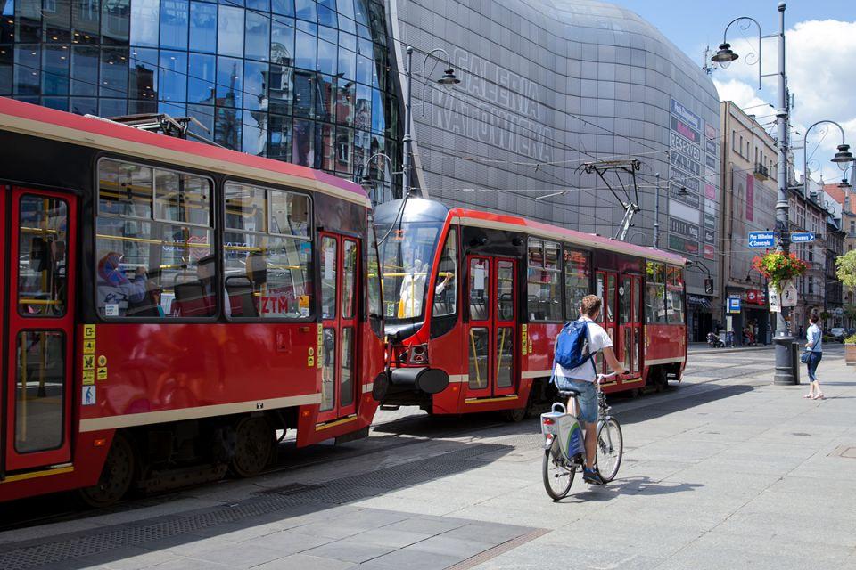 Metropolia podpisała apel do premiera o wsparcie transportu publicznego - galeria