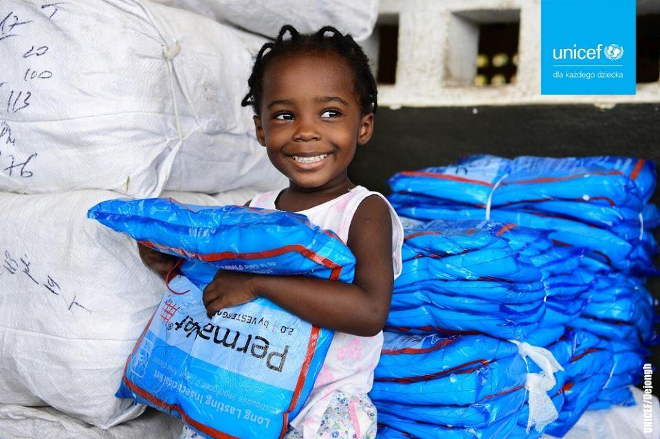 Podaruj dziecku prezent życia! Akcja charytatywna UNICEF - galeria