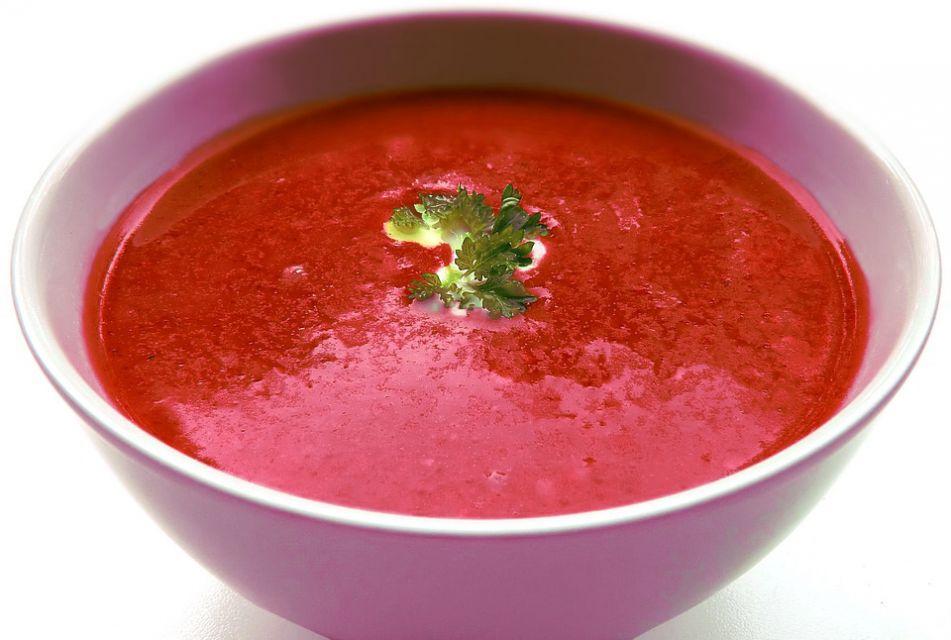 Wegańska zupa buraczana z orzechami - galeria
