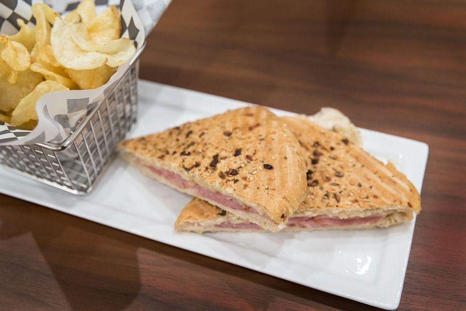 Zapiekane kanapki z szynką i serem - galeria