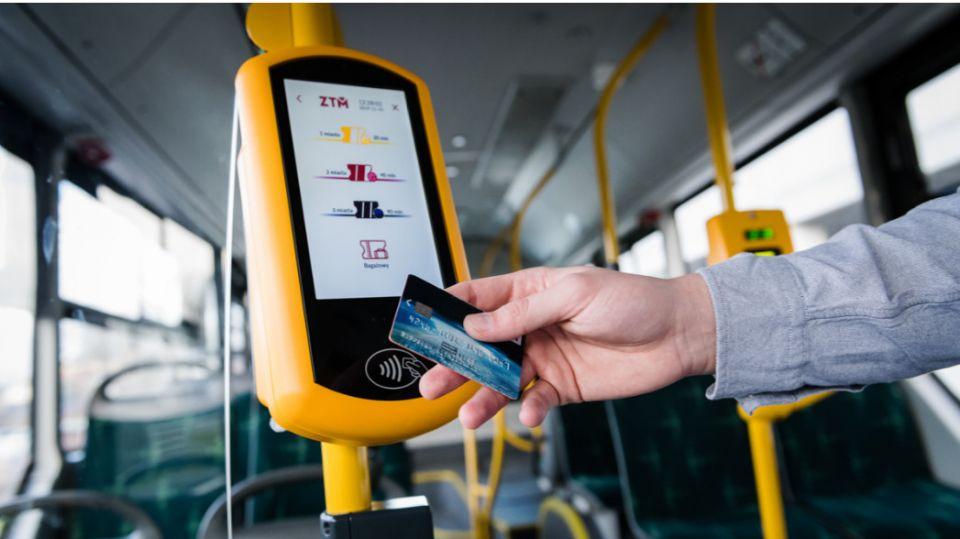ZTM precyzuje z rządem obostrzenia komunikacyjne i apeluje do pasażerów o odpowiedzialne zachowanie - galeria