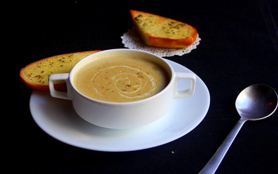 Zupa krem z pieczarek z groszkiem ptysiowym - galeria