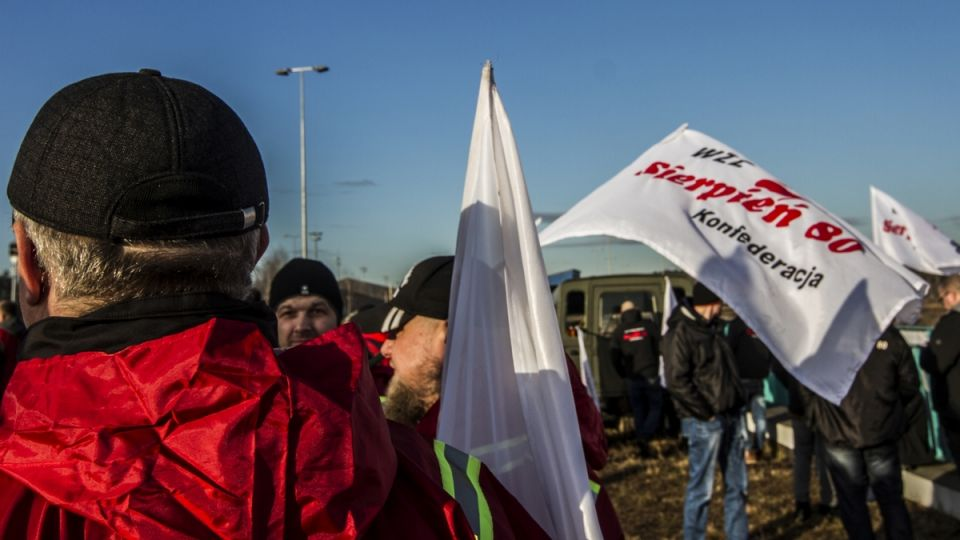 """Związkowcy zapowiadają ogromy protest, piszą do premiera: """"Śląsk umiera w biały dzień"""" - galeria"""
